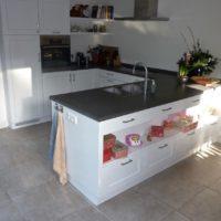 Witte U keuken